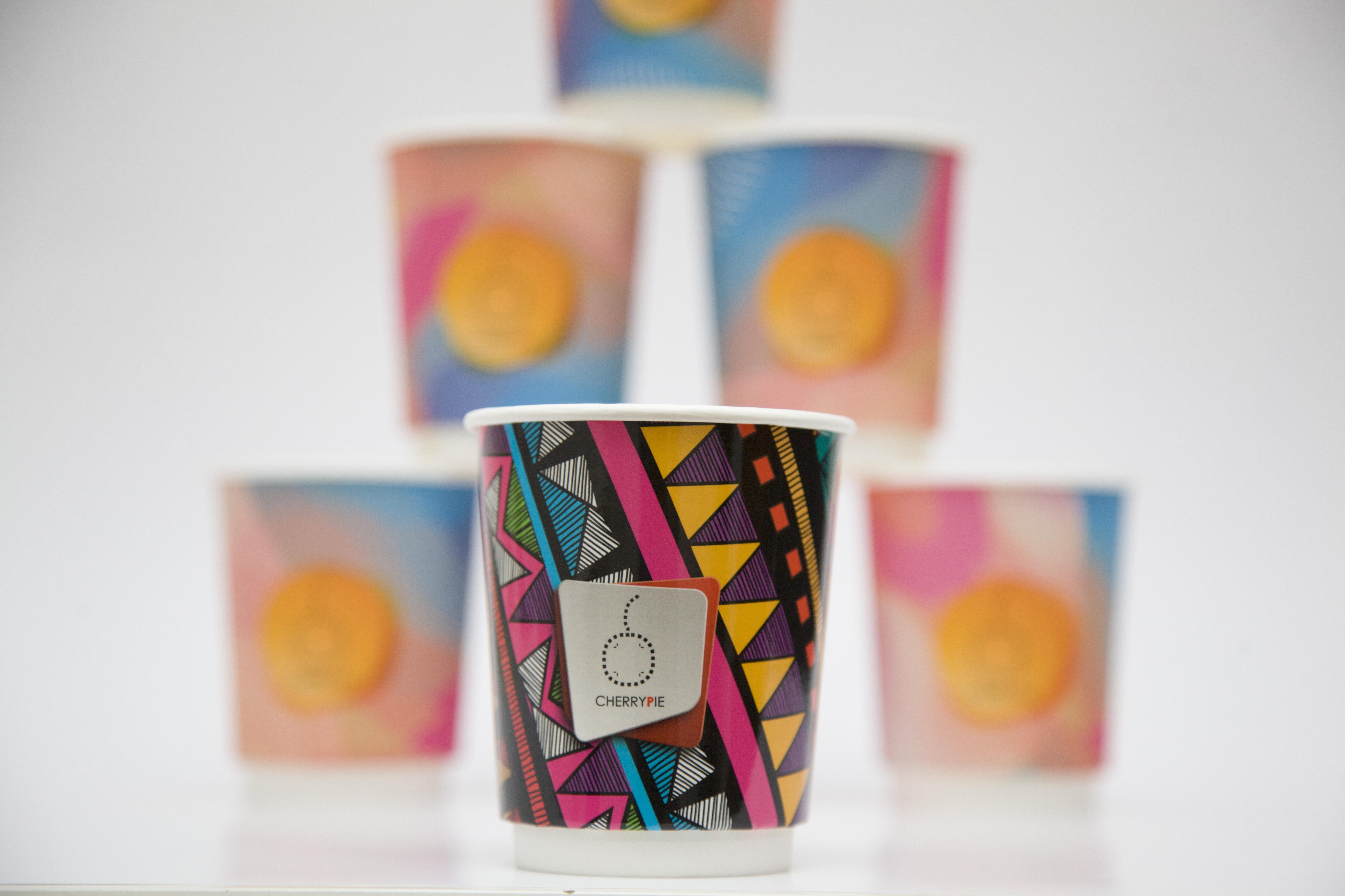 Бумажные стаканчики с вашим лого и дизайном
